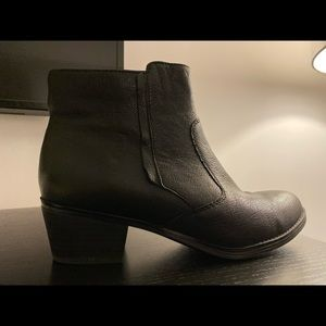 Naturalized 8.5 Boots